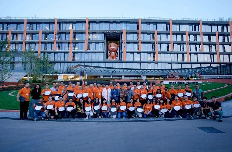 ccn students in front of alibaba 1